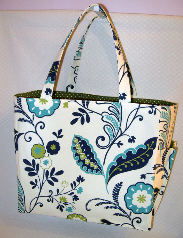 Green/blue floral beach bag