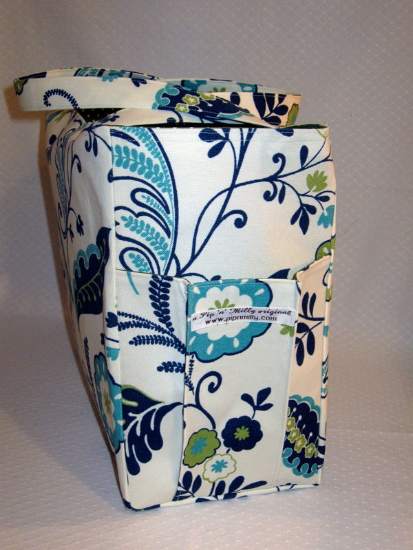 Blue/green floral beach bag with pleated pockets