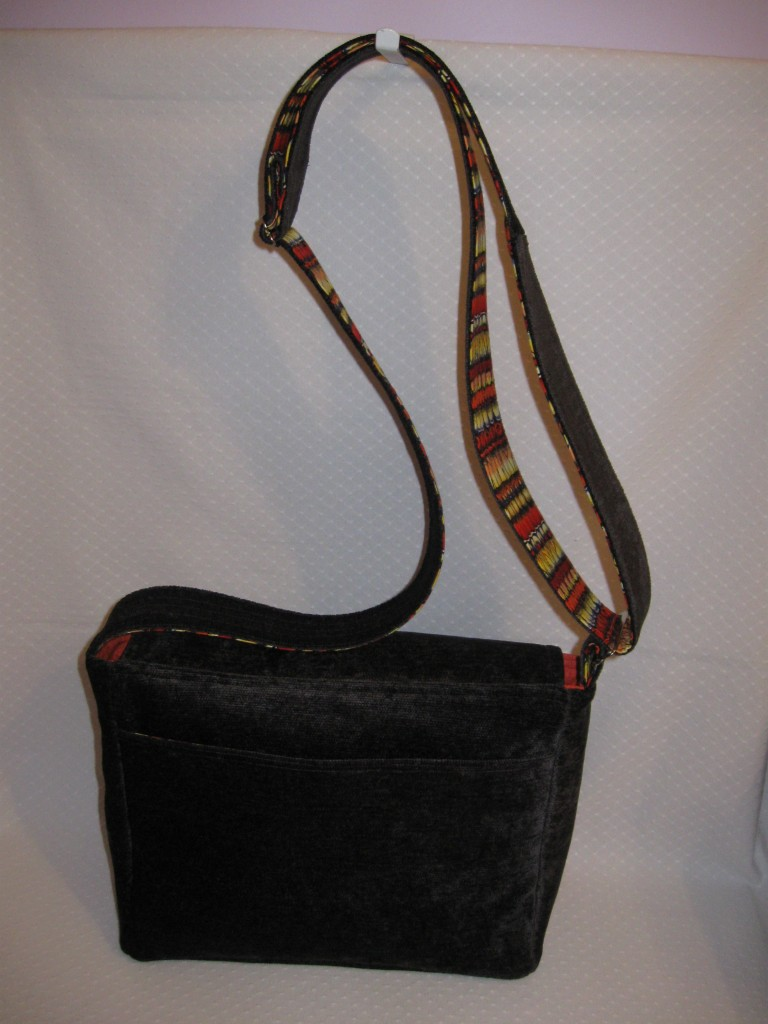 Messenger bag exterior